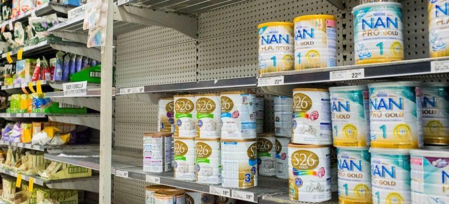 Siêu thị Coles hạn chế tiếp cận sữa công thức cho trẻ em tại